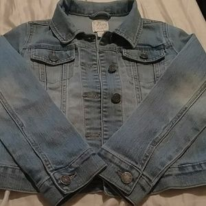 Girls jean jacket size 6/7